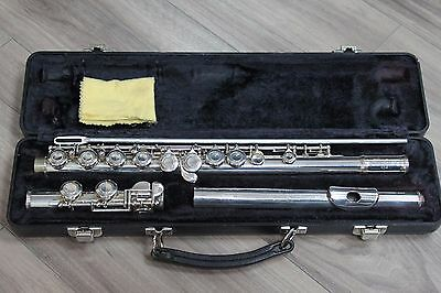Armstrong Model 104 USA Closed Hole Student Flute