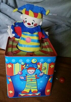SCHYLLING'S SILLY CIRCUS 2009 JACK IN THE BOX TIN TOY MUSICAL CLOWN Works