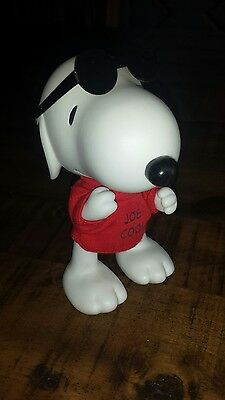 "HALLMARK Movable SNOOPY "" Joe Cool "" Figurine Numbered FREE SHIPPING CAN/USA"