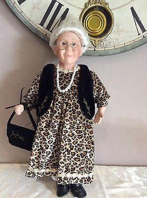 🇦🇺 48cm Genuine Bisque Porcelain Doll GRANDMA Collectable In VGC