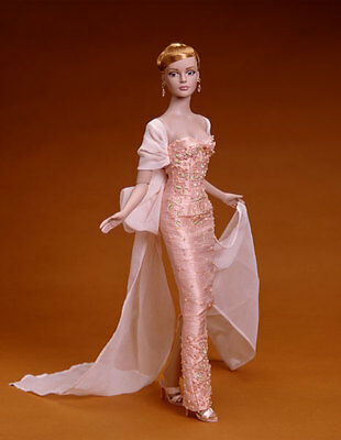 Rare Sydney Chase in Savoir Faire Convention doll by Robert Tonner NRFB LE 300
