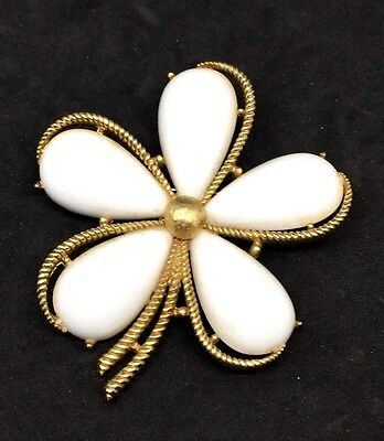 """Vintage Signed Crown TRIFARI gold tone White Cabachon  2+""""  Flower brooch pin"""