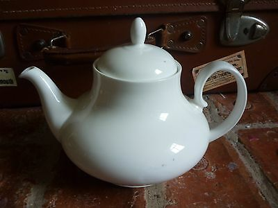 Unmarked China White Tea Pot. 2 Pints