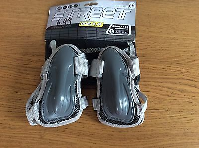 Kids SFR Size L Knee, Elbow And Street Wrist Guards For Roller skating