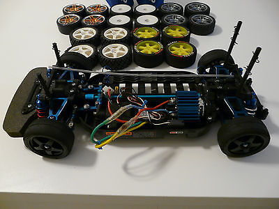 Tamiya 1:10 Tt01 Chassis With Extras