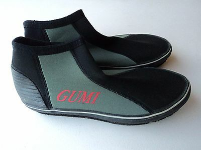 Gumi Fishing / Beach / Scuba Shoes Great Condition in Size 11