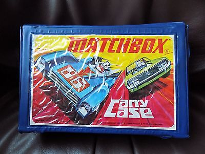 Vintage Matchbox Cars Carry Case With 2 Trays And 24 Diecast Vehicles