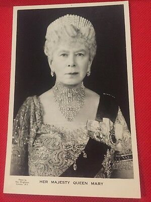 VINTAGE Real Photo Postcard - Her Majesty QUEEN MARY  Tuck & Son