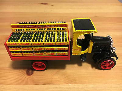 Coca Cola Collectible Ertl Co./ Kenworth Diecast Delivery Truck Bank 1:25 Scale