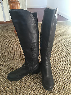 Tony Bianco ladies knee high black leather boots size 35/5 NEW