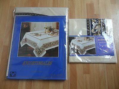 Knightingales  Round  Tablecloth  With  Matching  Set  Of  4  Napkins  * New *