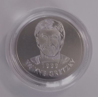 Hockey Hall of Fame 1999 Inductee Wayne Gretzky #99 Collector's Coin / Token