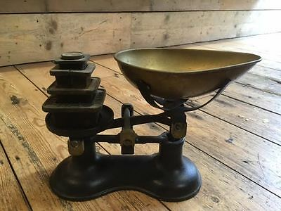 Antique Weighing scales cast iron with Brass & weights antique Victor England