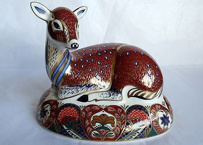Royal Crown Derby Paperweight of a Deer, Guild Member's Exclusive, gold stopper