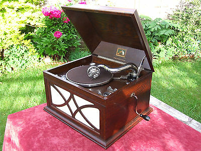 His Masters Voice Gramophone HMV 104 78 record player OAK CABINET