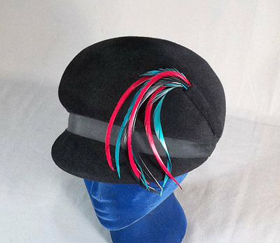 Delightful Mod 1960s Black Velour Felt Vintage Bubble Hat in Box