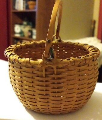 """Vintage Miniature Swing Handle Basket 3 1/2"""" Tall Hand Made by Stephen Zeh 1989"""