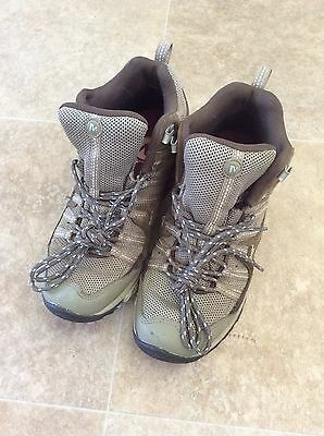 Ladies brown Merrell walking boots VGC size 5