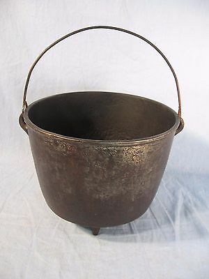 Antique 3 Leg Cast Iron BEAN POT Kettle with Swing Handle & 1800's GATE MARK