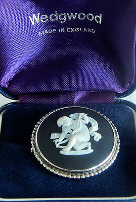 Wedgwood Round Brooch Silver Black White Cameo Gift Boxed England Vintage