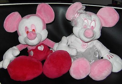 """Disney Store 15"""" Mickey & Minnie Mouse Pink Love Edition Soft Toy Plush Disney"""