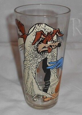 Vintage 1976 Road Runner and Wile. E Coyote Pepsi Collector Drinking Glass
