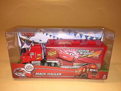 Disney Pixar Cars Mack Hauler New 95 Lightning McQueen Trailer Truck Toy