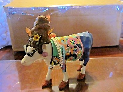 (77)Cow Parade Item#9142 Beehive Bovine 2002  Retired