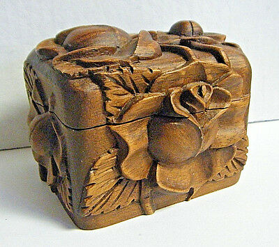 Antique Deeply Carved Large Rose Flowers Small Oak Wood Trinket / Jewelery  Box