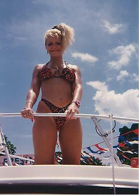 Original Pin-Up Photo ~ Shapely Blonde Girlfriend, Model Or Lover On A Boat