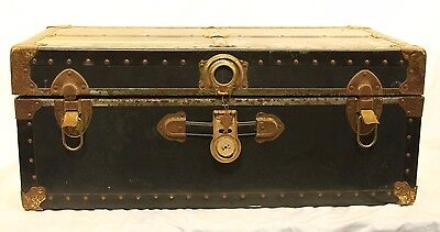 "31"" Vintage Vacationer Trunk"