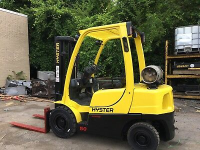 2011 Hyster  5000 LB  Pneumatic Forklift With Sideshift Triple Mast Rental Specs