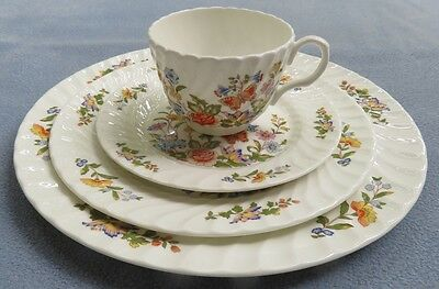 4 pcs Aynsley Cottage Garden Dinner, Salad and Bread Plates, Cup  England