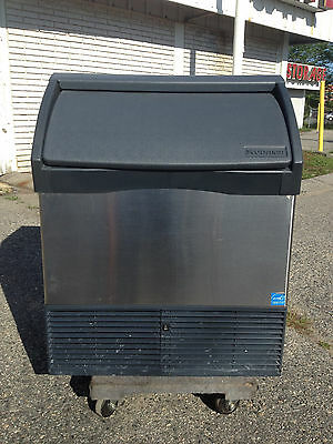 "Scotsman  Prodigy CU1526SA-1A 26"" Air Cooled Undercounter 150lb Ice Machine"