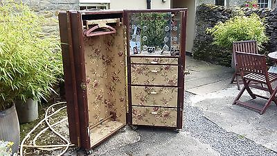 Vintage Travelling Theatre Dressing Room Trunk With Lights. Very Rare Find
