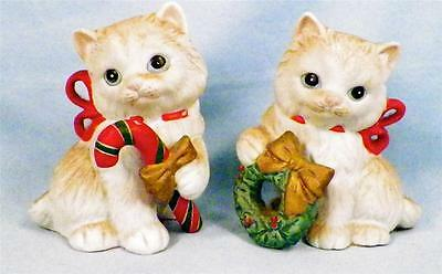 2 Homco Christmas Cat Figurines Kitten Long Hair Candy Cane Wreath Red Bows 5112