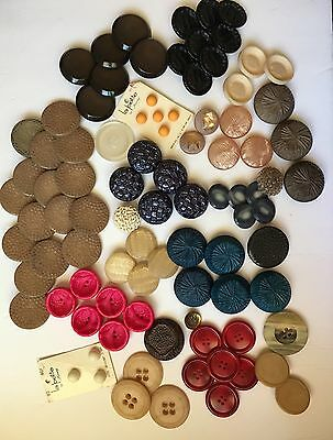 Lot Of Vintage Buttons 92 Count Early Plastic, Great Colors And Designs