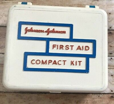Vintage Johnson and Johnson First Aid Compact Kit Filled W/Gauze,Tape,Scissor+++