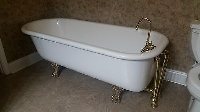 Vintage  1895 A & O Mfg Co. 5.5 Foot Cast Iron Claw Foot Tub Excellent Cond