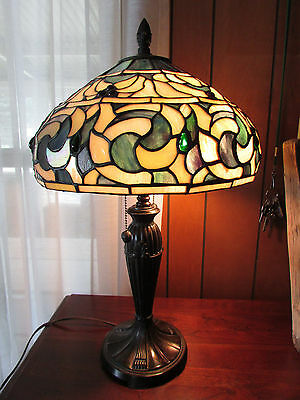 Victorian Style Stained Glass Table Lamp Hand Crafted Tiffany Shade White Blues