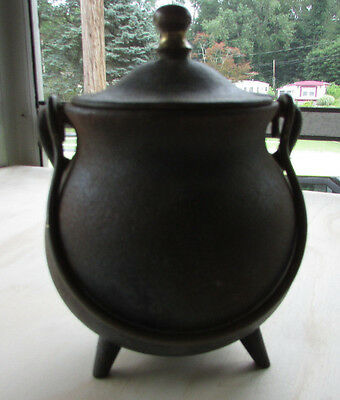 Vintage Cast Iron Cauldron Bean Pot Fitted Lid Three Legs Carrying Handle VGC
