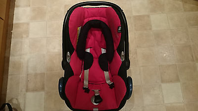Maxi Cosy CabrioFix Car Seat red and black