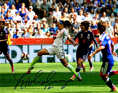 LAUREN HOLIDAY Signed USA Soccer Kicking Ball Action 8x10 Photo - SCHWARTZ