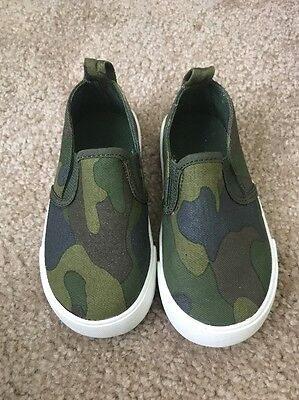 Baby Gap Toddler Boy Size 7 Camo Slip On Canvas Shoes