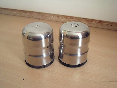 Pair of stainless steel salt and pepper pots in good Salt n pepper pots