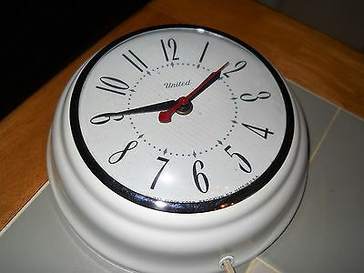 Vintage White United Kitchen Electric Wall Clock Usa Model No. 46
