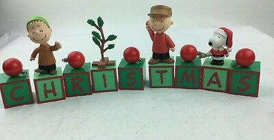 2009 Forever Fun PEANUTS Linus Charlie Brown Snoopy CHRISTMAS DECOR BLOCKS - EUC