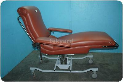 Custom Comfort Ga1972 Phlebotomy / Blood Drawing Lounge Chair / Recliner !