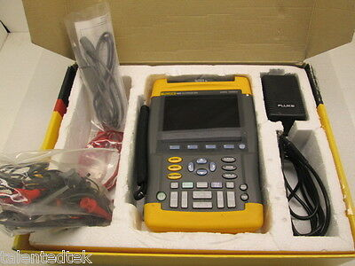 Fluke 192B ScopeMeter 60Mhz 500MS/s with CHARGER AND TEST LEADS