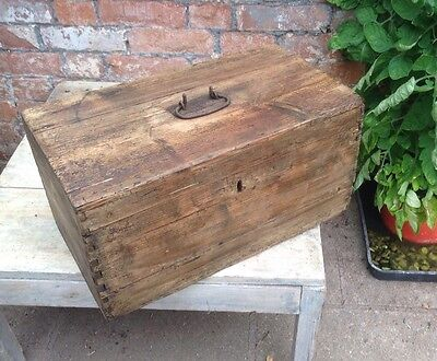 Old Vintage/Rustic Small Pine Trunk/Box